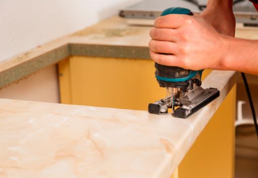 Bjarne Svenstrup Tømrermester i Hørning -udskæring til køkkenvask